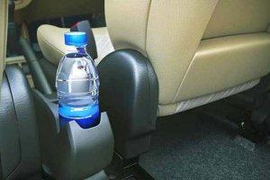 Zašto ne treba piti vodu iz plastične flaše koja je stajala u vašem automobilu na vrućini?